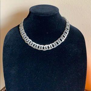 "Jewelry - Beautiful heavy silver necklace 18"""